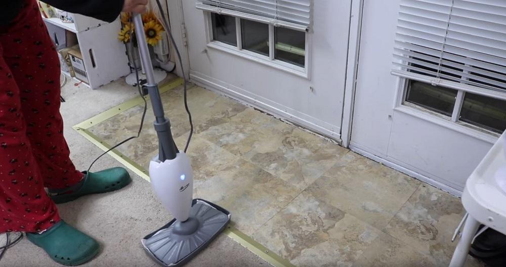LIGHT N EASY Floor Steamer – Best Lightweight Steam Cleaner