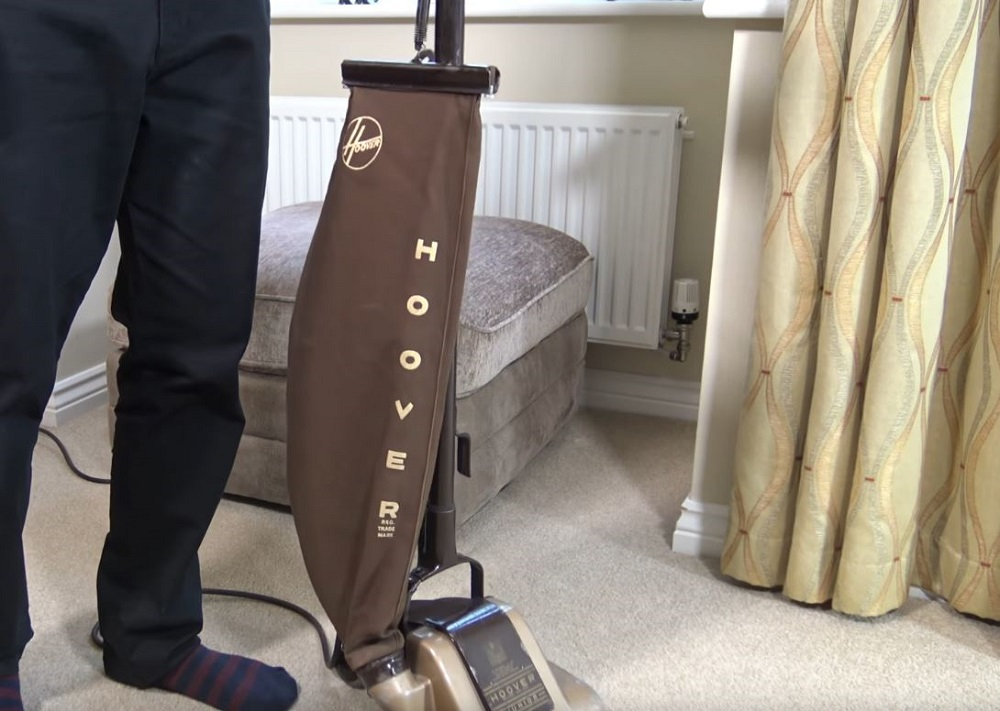 Vintage Hoover Junior 119 Upright Vacuum Cleaner (2)